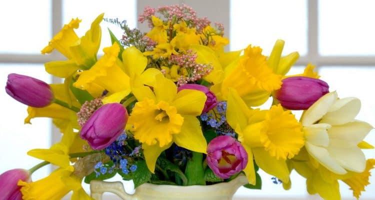 Обновляем дом к весне - цветы, принты, текстиль и другие идеи весеннего декора