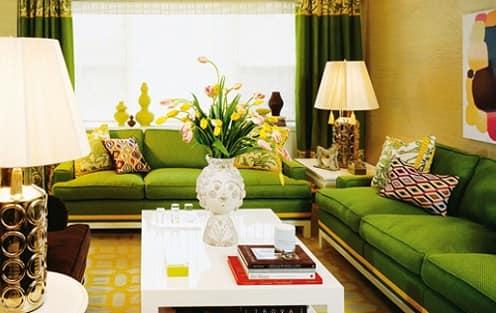 Цветы в вазах - главное украшение интерьера