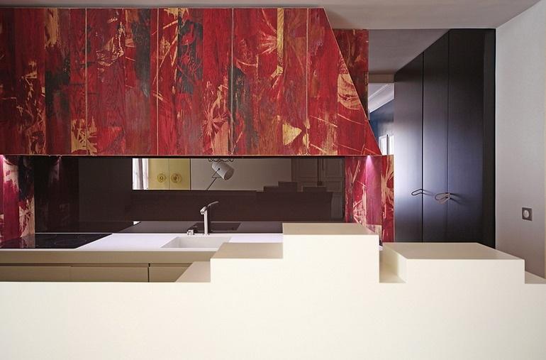 Кухня в квартире в стиле сказки о Красной шапочке