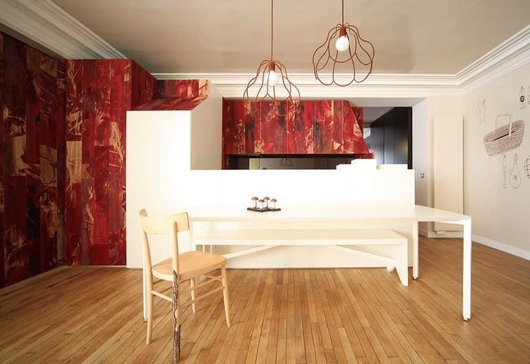 Обеденная зона в квартире в стиле сказки о Красной шапочке