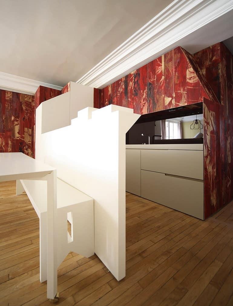 Кухня и столовая в квартире в стиле сказки о Красной шапочке
