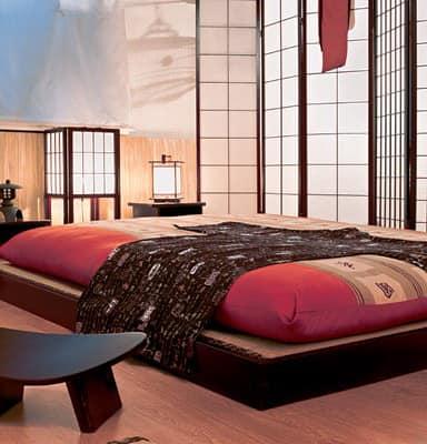 Спальня с низкой кроватью - японский стиль