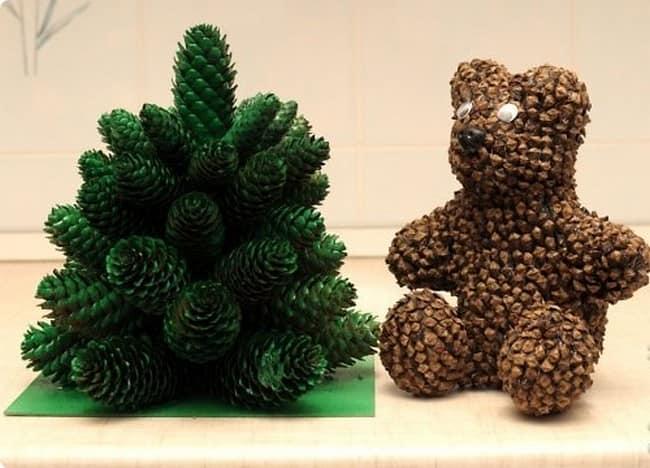 Как сделать медвежонка и елочку из шишек своими руками