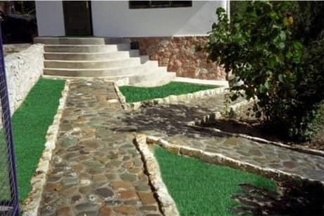 Каменная дорожка для сада из сланца фото