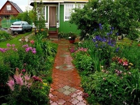 Садовая дорожка из тротуарной плитки