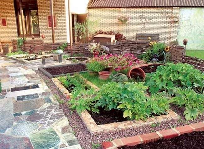 Украшение декоративного огорода