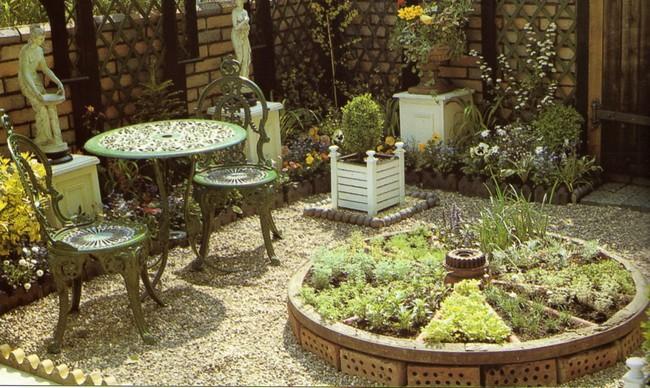 Маленький декоративный огород