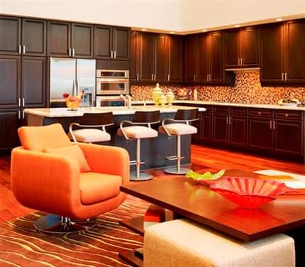 Оранжевая мебель для кухни