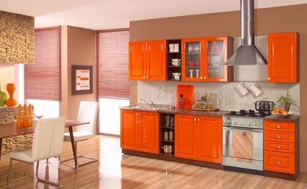 Пример кухни оранжевого цвета