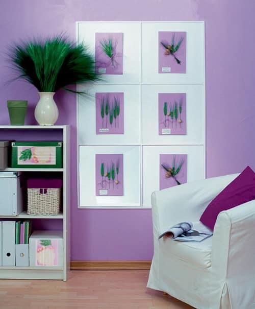Подкрашенные гербарные образцы на сиреневом фонедля декорирования комнаты в бело-сиреневом цвете