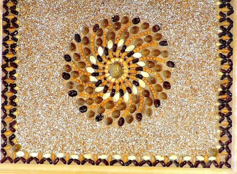 Панно из семян - украшение для интерьера