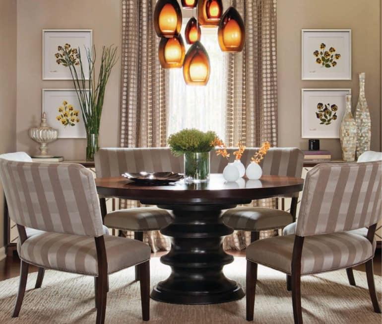 Декорирование гербарными образцами - удачное дополнение гостиной в классическом стиле