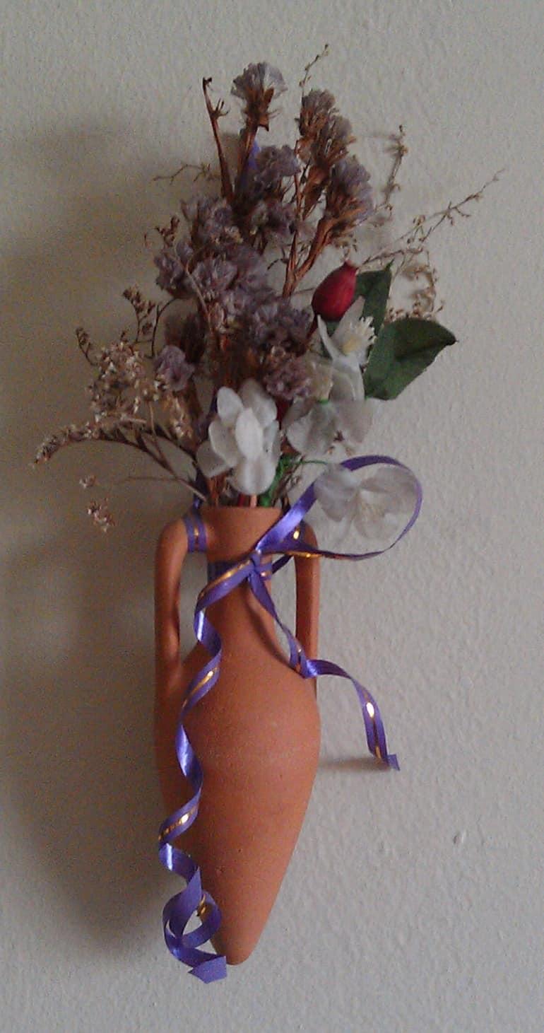 Сухой букет в кувшине для декорирования комнаты