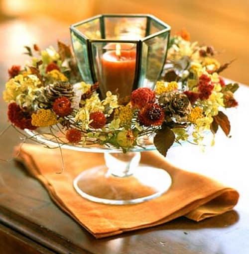 Ваза со свечой и сухими цветами для декорирования к празднику