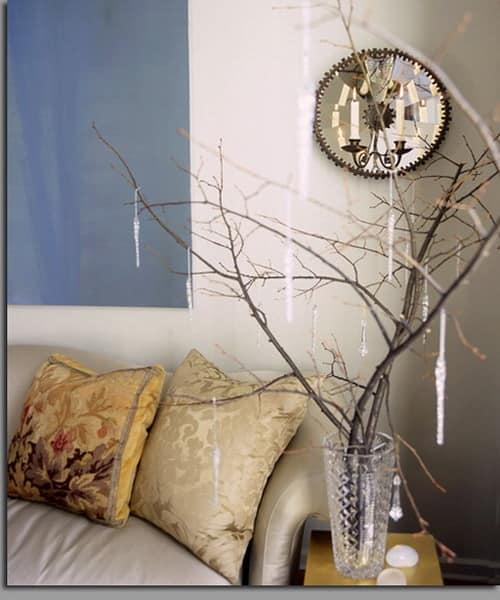 Сухие ветви с хрустальными подвесками для декора помещения