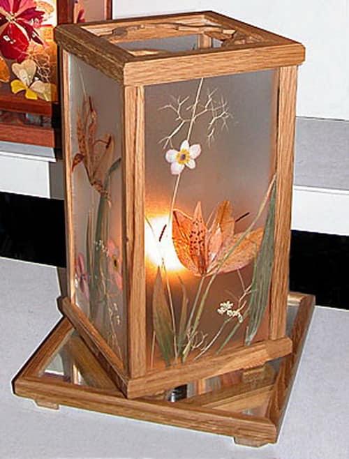 Светильник из гербариев на стекле