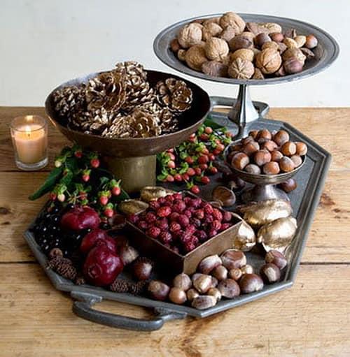 Для декорирования стола - плоды, семена, орехи