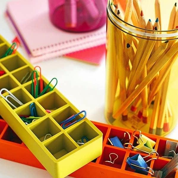 Хранение карандашей, скрепок и другой канцелярской мелочи на рабочем месте дома