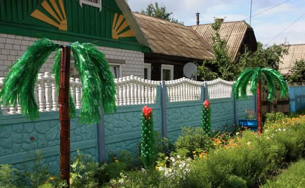 Украшаем сад пальмами из пластиковых бутылок фото