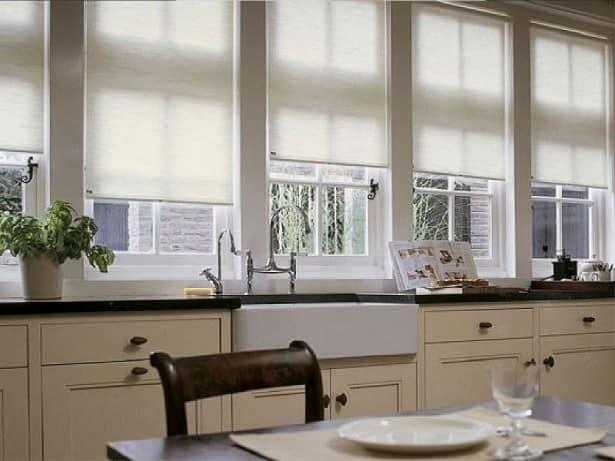 Использовать жалюзи на кухне удобно, стильно и практично