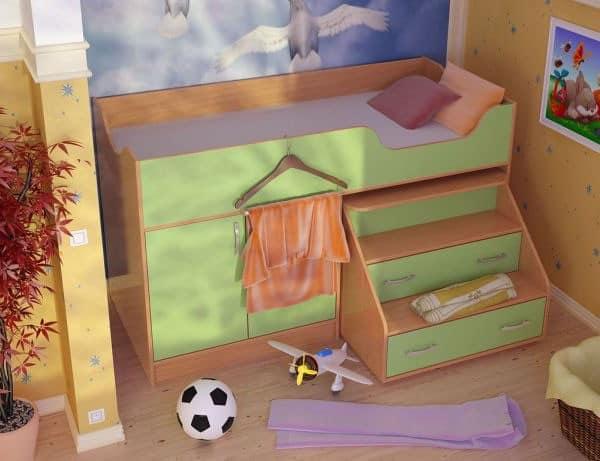 Компактный детский уголок с кроватью, шкафом для одежды и ящиками
