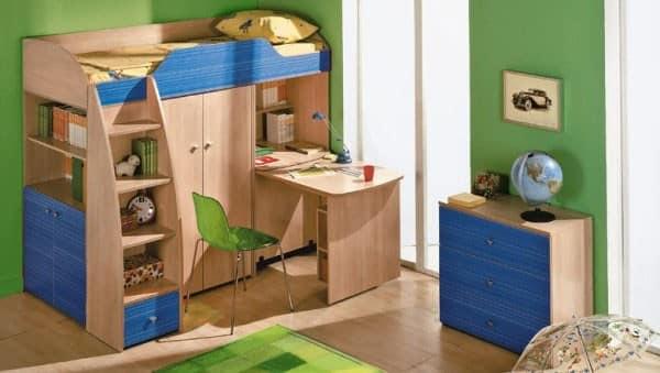 Мебель в детской для подростка с кроватью, гардеробом и рабочим местом у окна