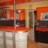 Кухонный гарнитур с барной стойкой