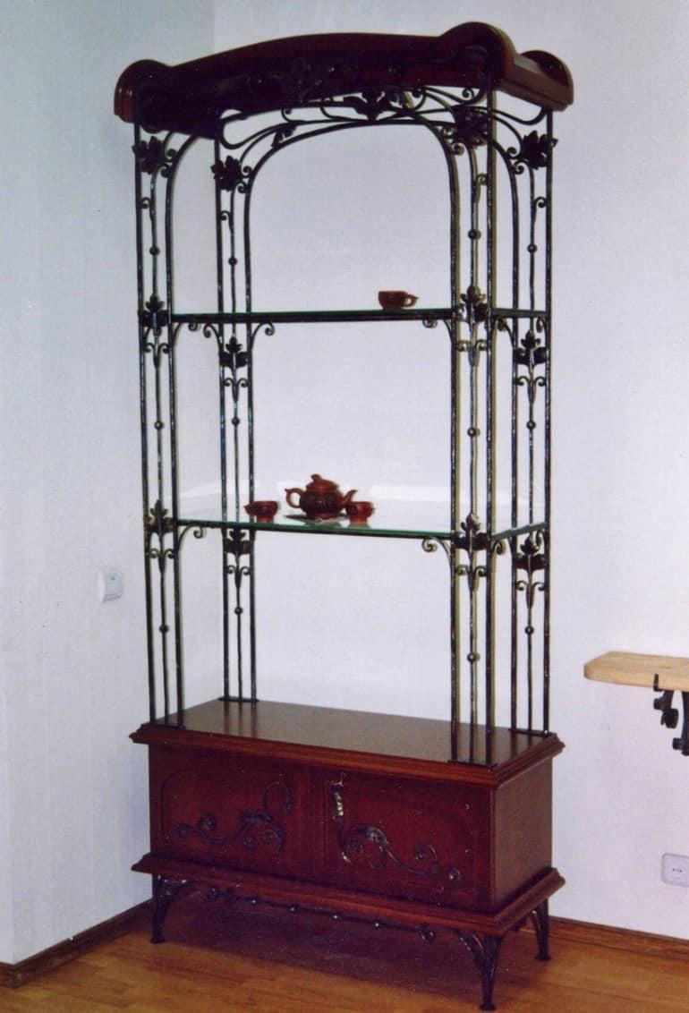 Кованая мебель в интерьере - книжный шкаф