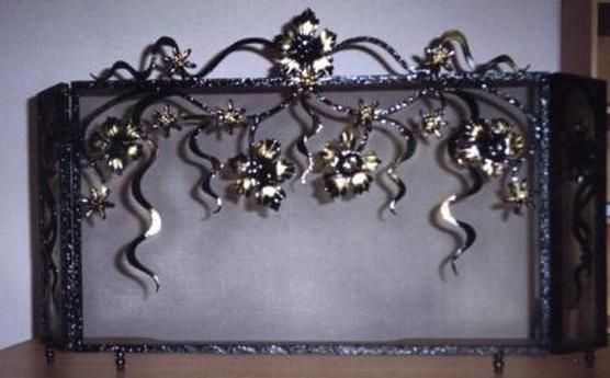 Кованая каминная решетка в стиле модерн