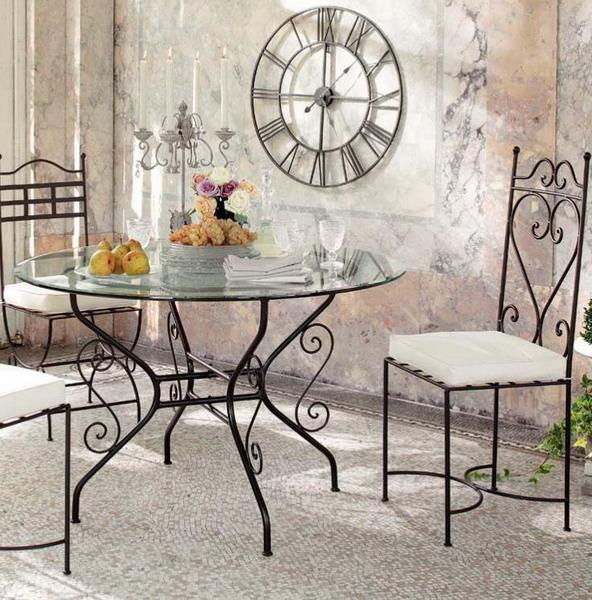 Кованая мебели в интерьере - сочетание стекла и металла