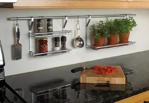 Трудно представить современную кухню без рейлингов