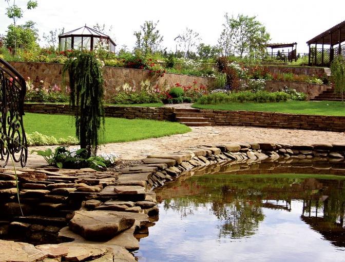 Лестница - необходимый элемент архитектуры сада