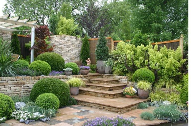Лестница- важный элемент дизайна сада