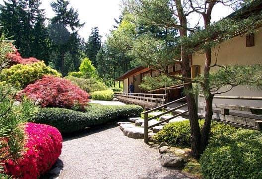 Лестница в дизайне сада в японском стиле