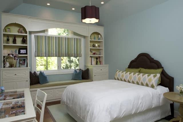 Место для чтения в спальне: тишина и спокойствие