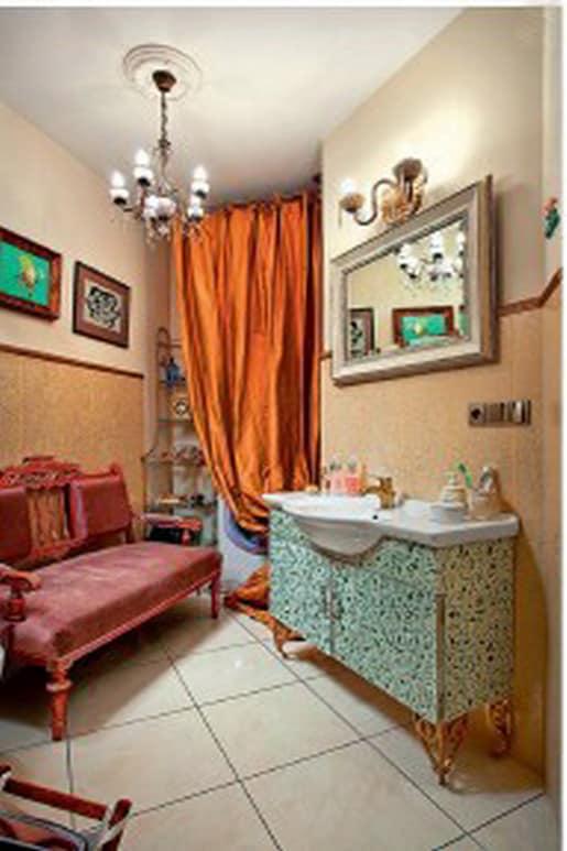 Интерьер ванной в винтажном стиле - побелка на потолке