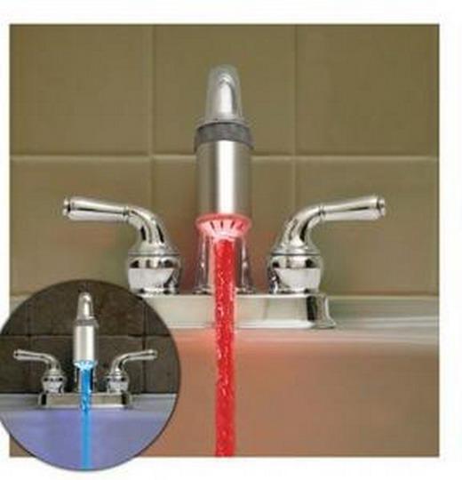 Подсветка струй воды в интерьере ванной комнаты
