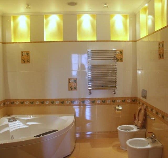 Декоративная подсветка в интерьере ванной комнаты