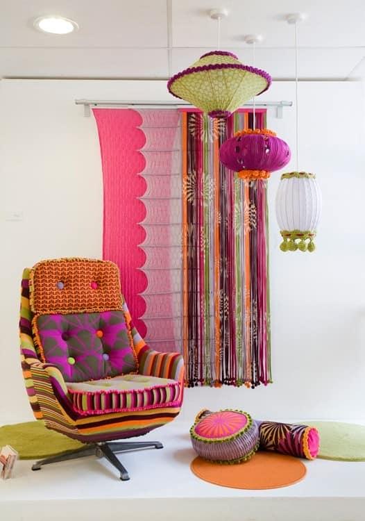 Текстиль на стенах для весеннего декора