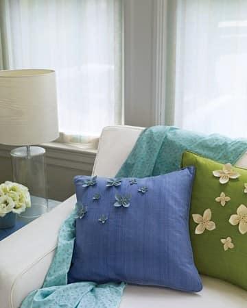 Зеленый, голубой и синий текстиль для декора дома к весне