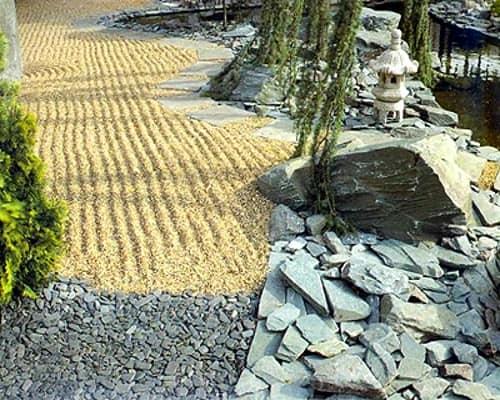 Использование разных слоев песка и гравия для аренария