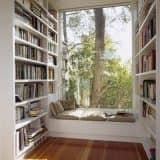 Библиотека на подоконнике