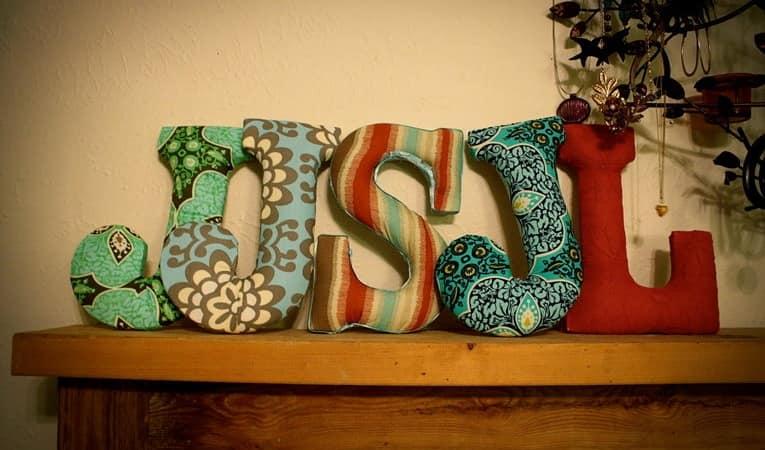 Объемные буквы из ткани для декора дома