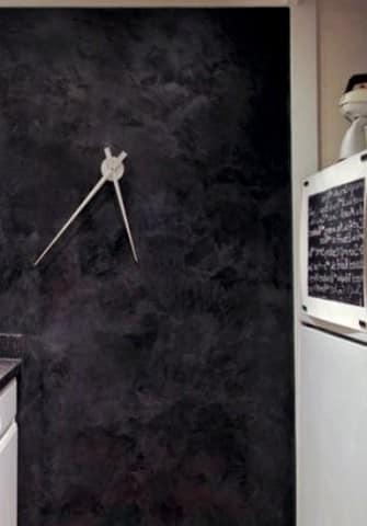 Настенные часы для прихожей в стиле хай-тек