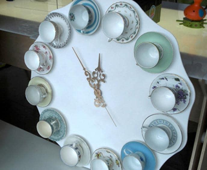 Часы на кухне могут быть в виде посуды