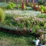 Миниатюрный плетеный забор