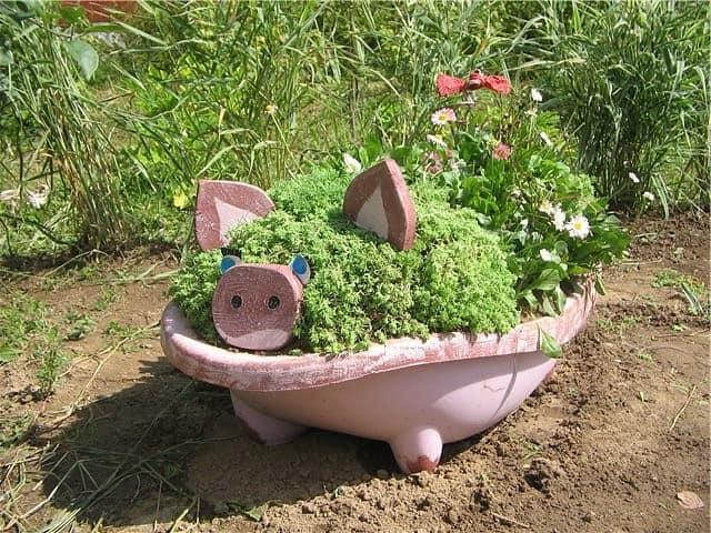 Маленький цветник для декора дачи и сада