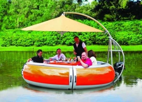 Лодка-гриль для пикника
