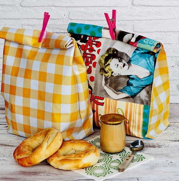 Пакеты для продуктов - украшение стола на пикнике