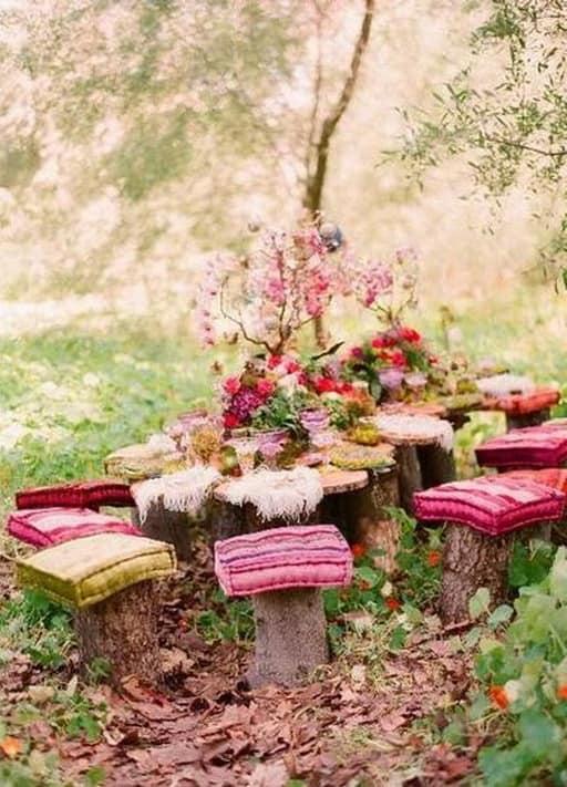 Подушки - необходимый аксессуар и украшение пикника
